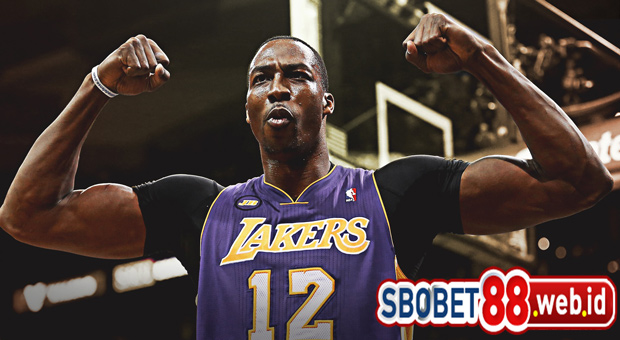 Dwight Howard Masuk Lakers