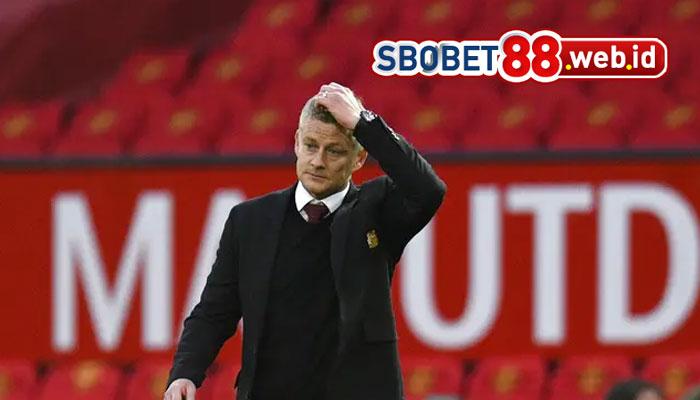 Ed Woodward Siap Tendang Solskjaer dari Manchester United