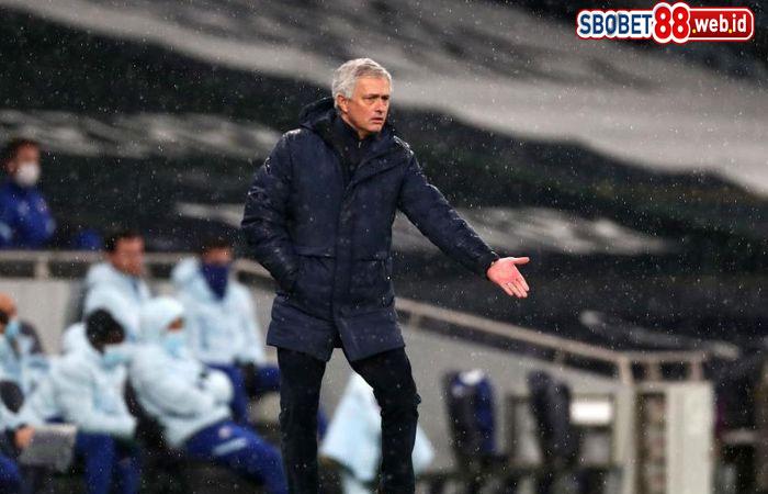 Mourinho ke Pemain Tottenham: Bikin Saya Tampak Jago Melatih!